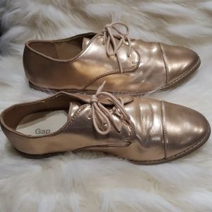 Gap rose gold loafers girls size 5 oxfords